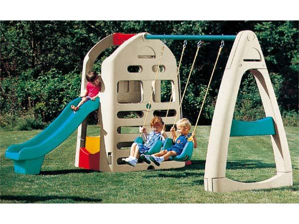 Combination of house swing set suitable for children hospital children dentist good for little kids