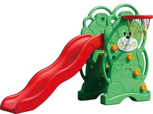 Kinderspeletjie met baie funksies, gemaak van plastiek, sodat kinders in die restaurant kan speel