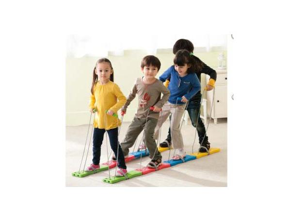 Duisendpootrasse looppedaal Sensoriese speelgoedstel vir klein kinders om in die dagsorg of kinderhospitaal te speel