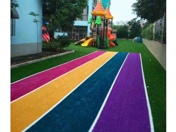 العشب الصناعي الملون لمضمار الجري في رياض الأطفال