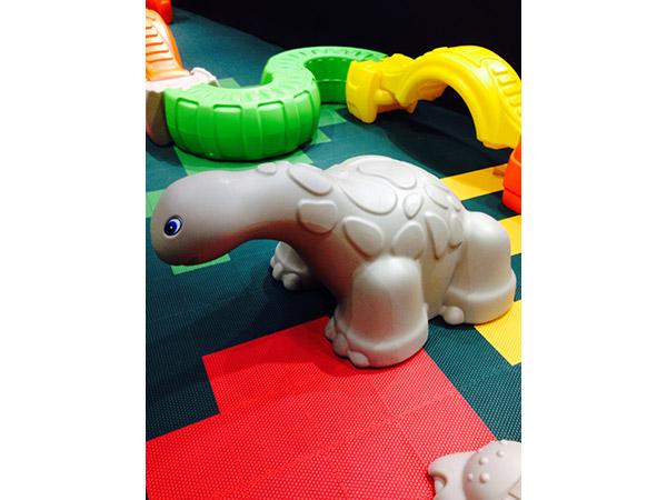 الغذاء الصف LLDPE الاطفال لعبة معدات ملعب للأطفال في الهواء الطلق ديناصور لتسلق واللعب