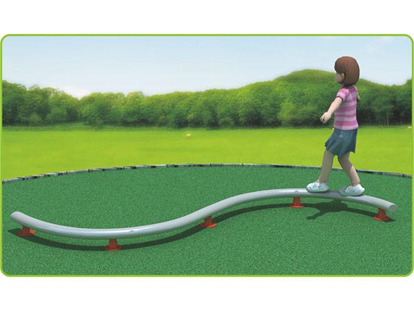 Balansbalke vir kinders om op die buitenspeeltuin te speel